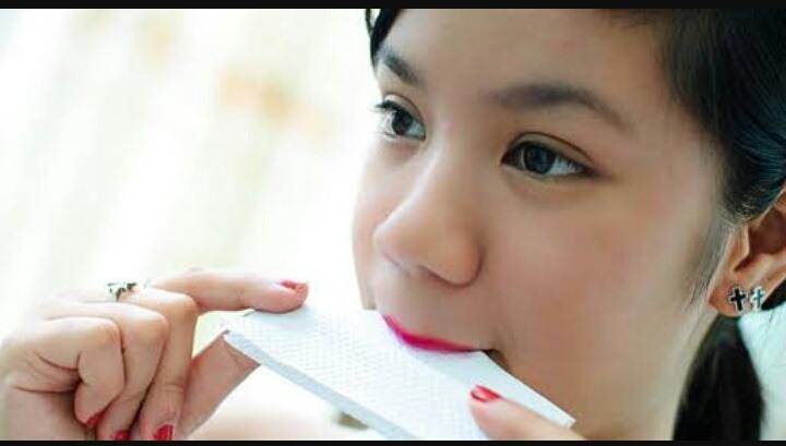 7 Langkah Mudah Membuat Lipstick Kamu Tahan Lebih Lama